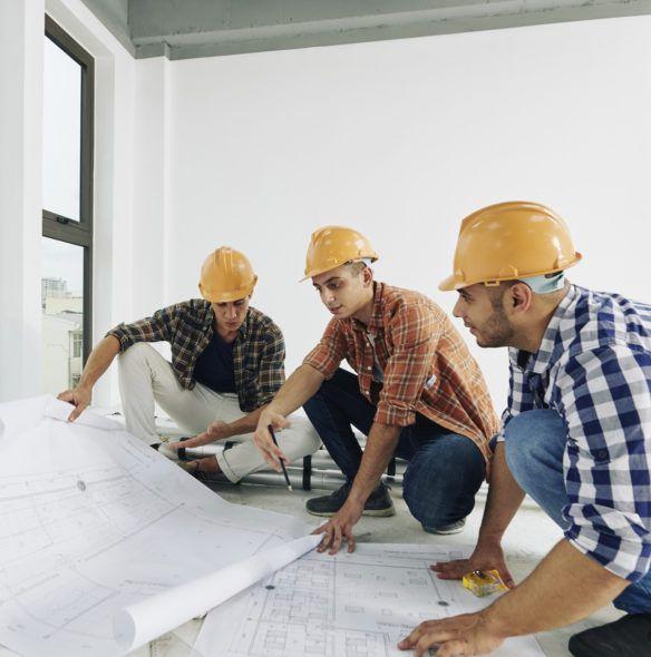 team di Ingegneri che progetta un Impianto fotovoltaico